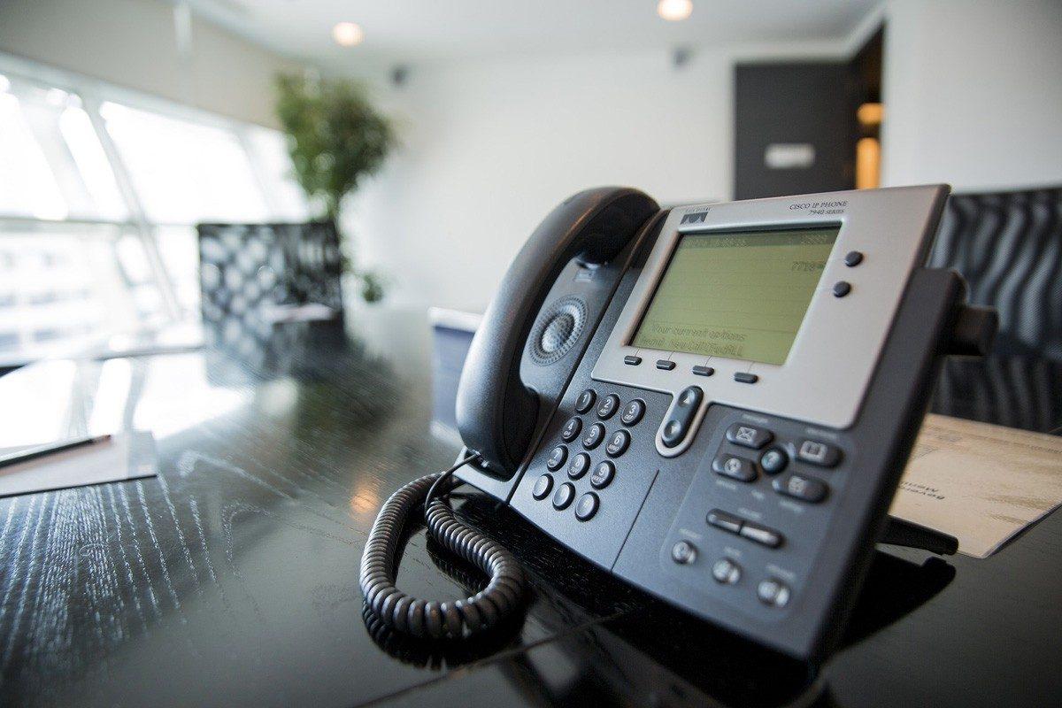 Services de consultation, d'installation et de réparation pour les systèmes d'appels de garde