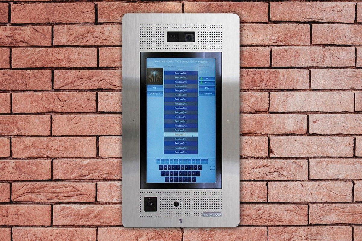 Services de consultation, d'installation et de réparation pour les systèmes d'intercom
