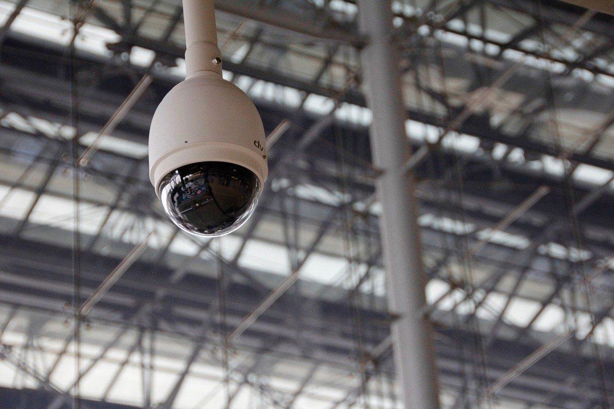 Services de consultation, d'installation et de réparation pour les systèmes de caméras de surveillance